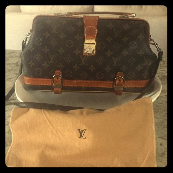 94e6f1e9f5f6 Louis Vuitton Handbags - Rare authentic 💯 1970 Louis Vuitton doctor s bag